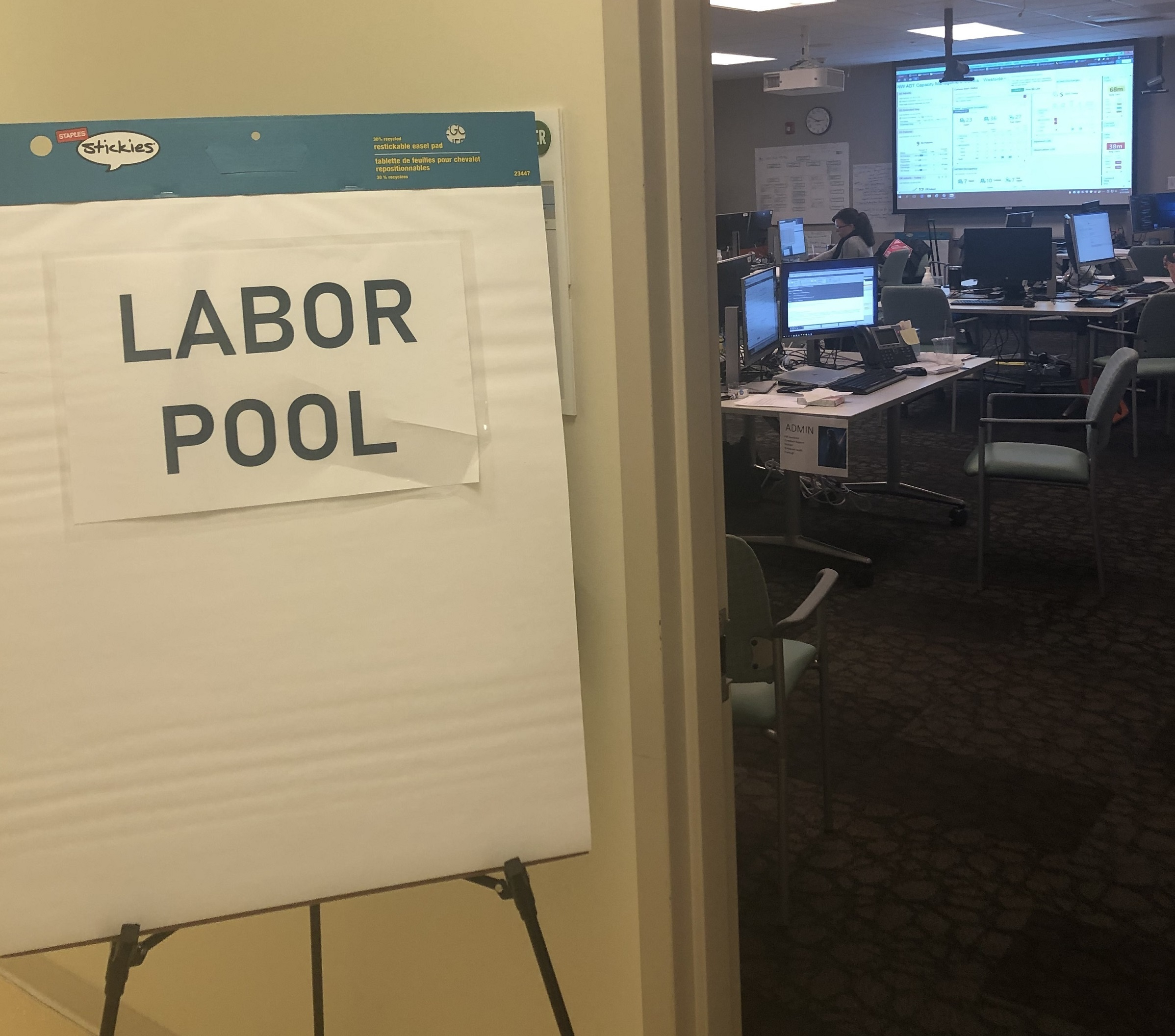 sign reading labor pool