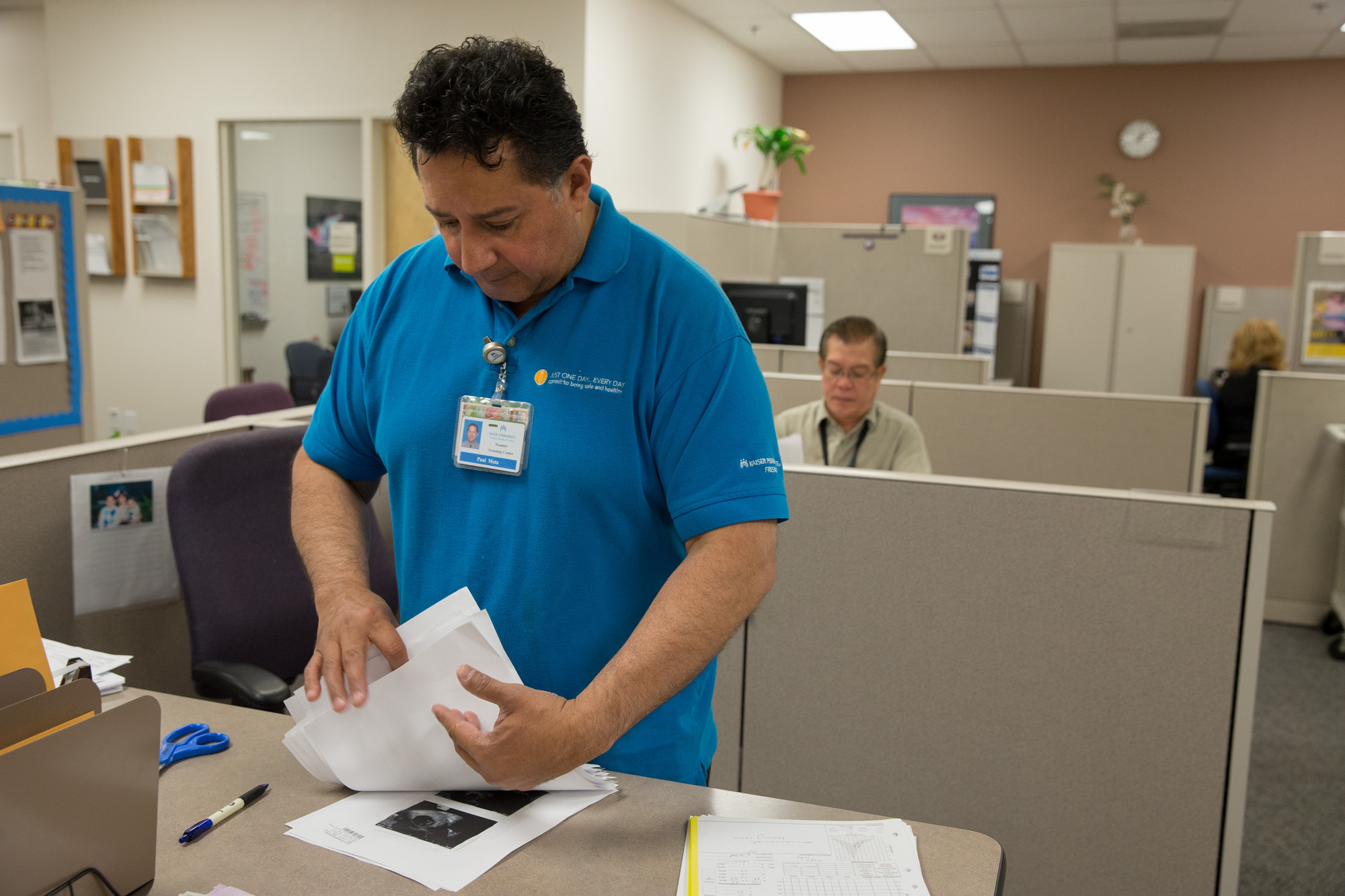 Scanning Center. Scanner Paul Mata. SEIU