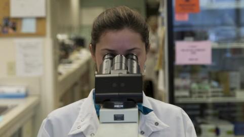 Skyline Medical Lab Technician Linsey Gustafson, OFNHP.