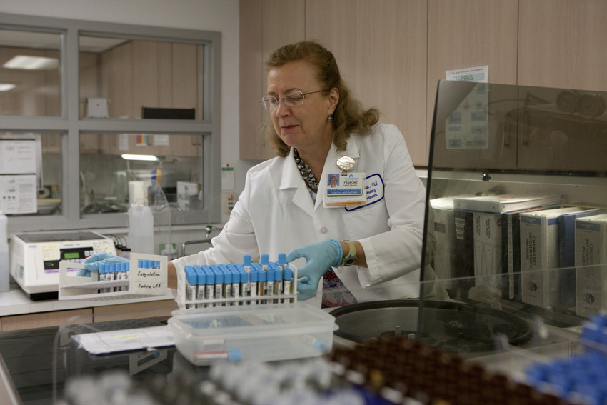 Anaheim Medical Center Clinical Lab Scientist Francine Hintzman, UFCW.